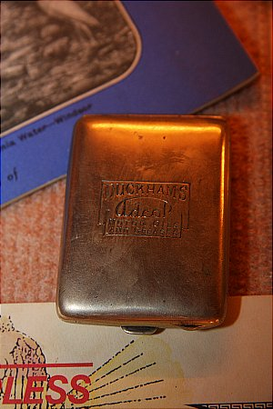 DUCKHAMS MATCH HOLDER - click to enlarge