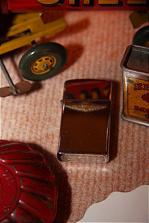 SHELL LIGHTER - click to enlarge