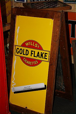 GOLD FLAKE - click to enlarge