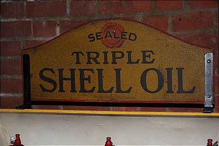 SHELL TRIPLE OIL - click to enlarge
