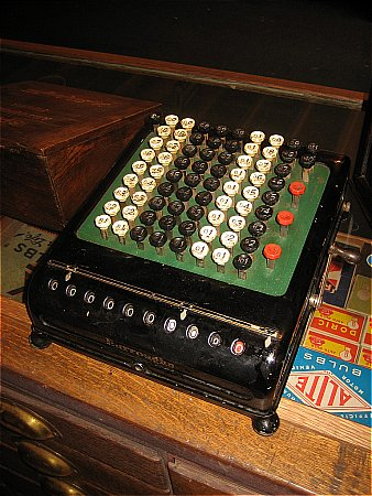 EARLY ADDING MACHINE - click to enlarge