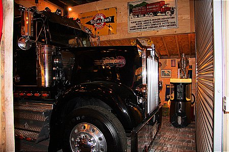 KENWORTH RIG - click to enlarge