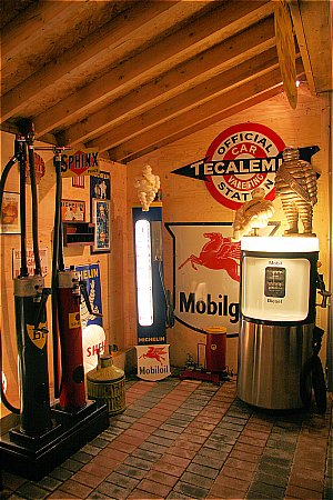 ICONIC MOBIL PUMP (50 Years old!) - click to enlarge