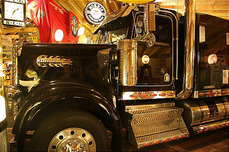 KENWORTH RIG (13,000 CC Engine!) - click to enlarge