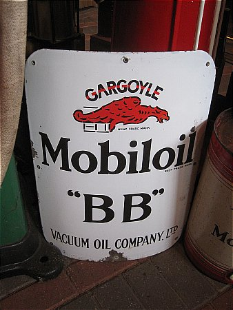 "MOBIL ""BB"" CURVED CABINET SIGN - click to enlarge"