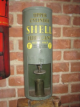 SHELL UPPER CYLINDER LUBRICANT DISPENSER. - click to enlarge