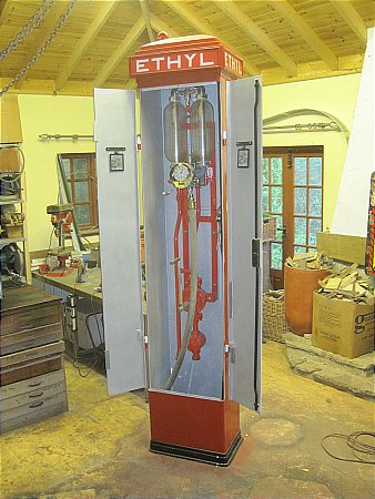 SASSO CABINET PUMP - click to enlarge