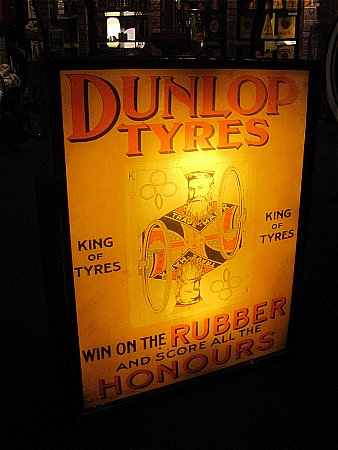 DUNLOP TYRES LIGHTBOX - click to enlarge