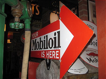 MOBILOIL ARROW - click to enlarge