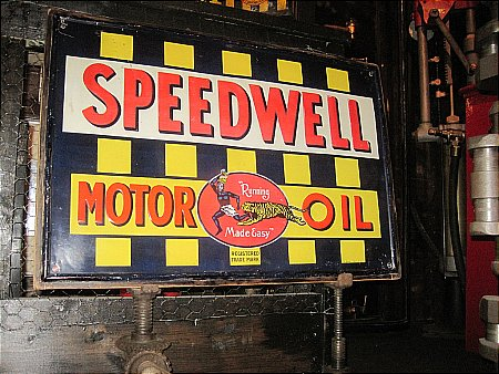SPEEDWELL MOTOR OIL - click to enlarge