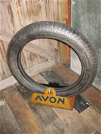 AVON TYRE STAND - click to enlarge