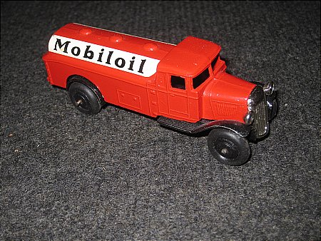 MOBIL TOY TANKER - click to enlarge
