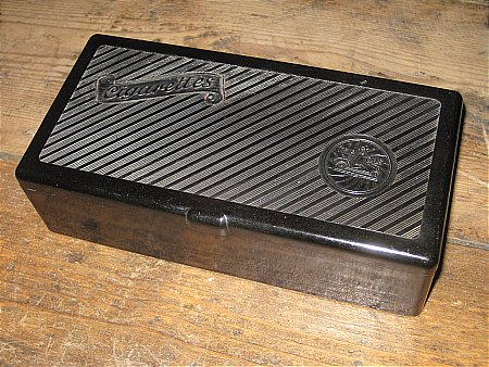 TRIP OIL CIGARETTE CASE - click to enlarge