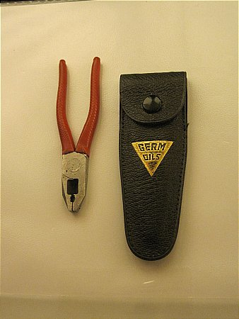 GERM OIL MINATURE PLIERS - click to enlarge