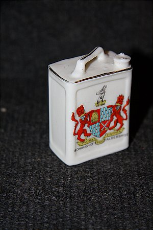 MINATURE CHINA PETROL CAN(ALDERSHOT) - click to enlarge