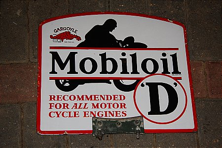 "MOBIL ""D"" CABINET SIGN - click to enlarge"
