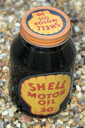SHELL MOTOR OIL - click to enlarge