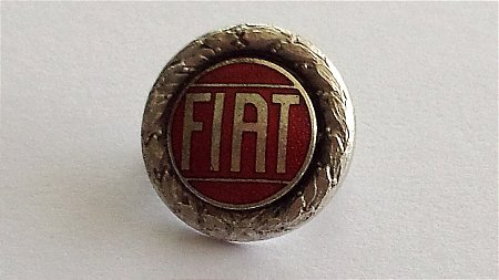 FIAT LAPEL BADGE - click to enlarge