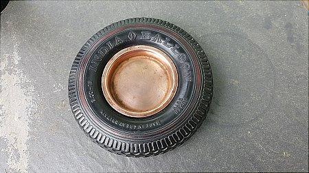 INDIA TYRES ASHTRAY - click to enlarge