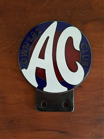 A.C. OWNERS CLUB BADGE. - click to enlarge