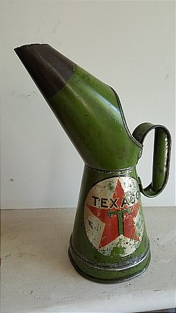 TEXACO PINT POURER - click to enlarge