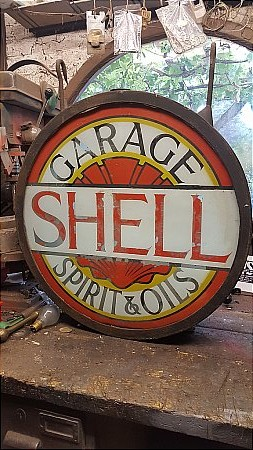SHELL GARAGE LIGHTBOX - click to enlarge