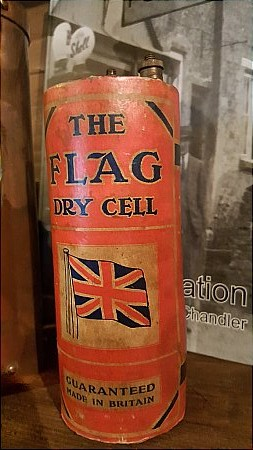 FLAG DRY CELL BATTERY. - click to enlarge