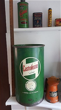 CASTROLEASE 28lb GREASE TIN. - click to enlarge