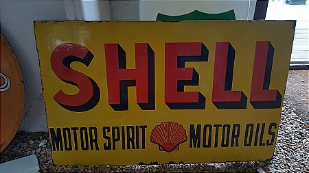 SHELL MOTOR SPIRIT & OILS - click to enlarge