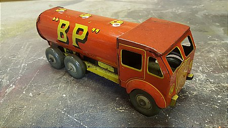 B.P. / SHELL TOY TANKER - click to enlarge