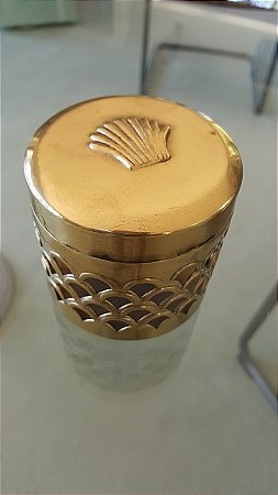 SHELL BRASS CONTAINER - click to enlarge