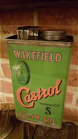 CASTROL HALF GALLON CAN - click to enlarge