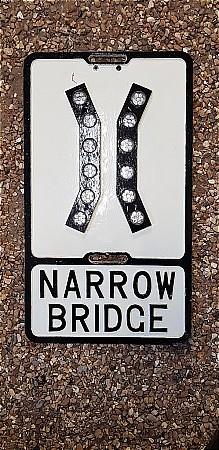 NARROW BRIGDE ROAD SIGN - click to enlarge