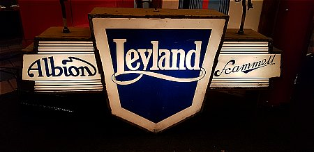 LEYLAND, ALBION, SCAMMELL LIGHTBOX. - click to enlarge