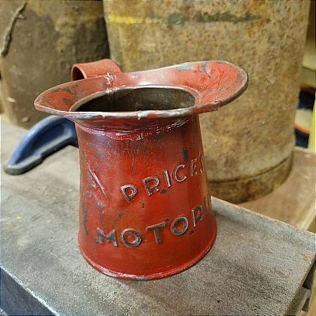 EARLY PRICES MOTORINE PINT POURER - click to enlarge