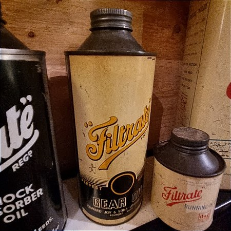 FILTRATE QUART OIL CAN - click to enlarge
