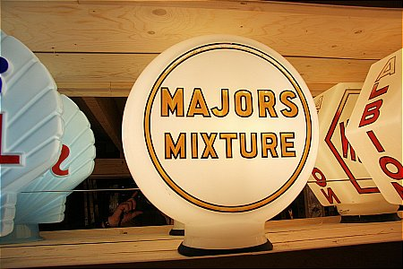 MAJORS MIXTURE - click to enlarge