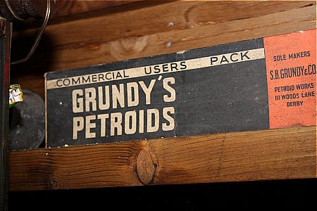 GRUNDYS PETROIDS - click to enlarge