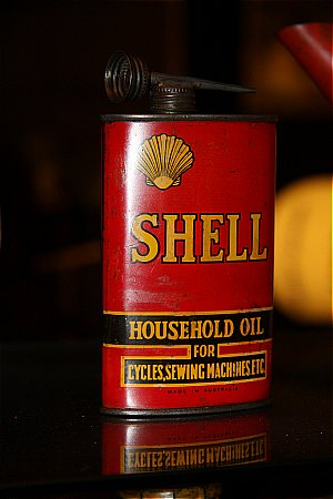 SHELL HOUSEHOLD OIL (Half Pint) - click to enlarge