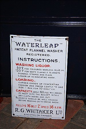 WATERLEAP - click to enlarge