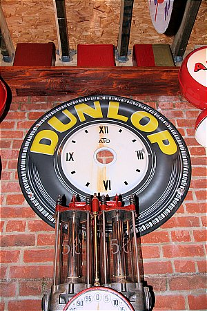 DUNLOP CLOCK - click to enlarge