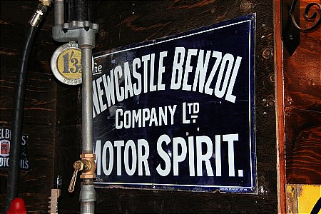 NEWCASTLE BENZOL - click to enlarge