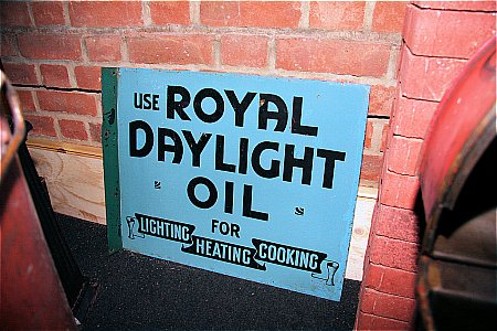 ROYAL DAYLIGHT OIL - click to enlarge