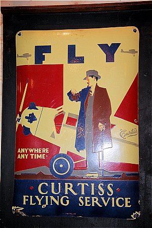 FLY CURTIS - click to enlarge