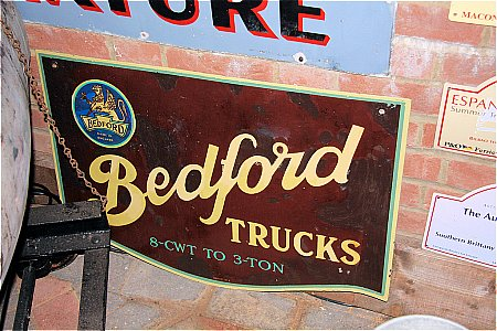 BEDFORD TRUCKS - click to enlarge