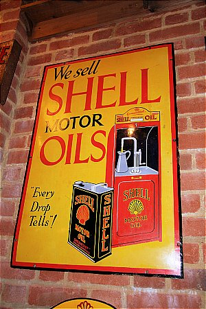 SHELL OIL CABINET - click to enlarge
