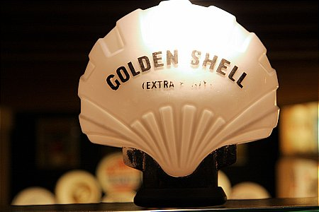 SHELL GOLDEN (Small oil globe) - click to enlarge