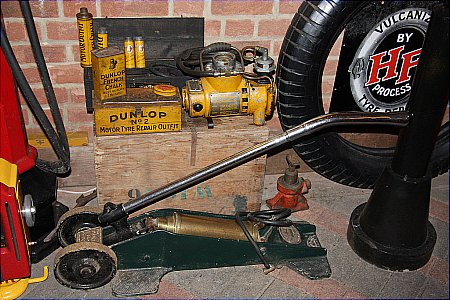 DUNLOP AIR PUMP - click to enlarge
