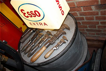 SET OF AJUSTABLE SPANNERS - click to enlarge