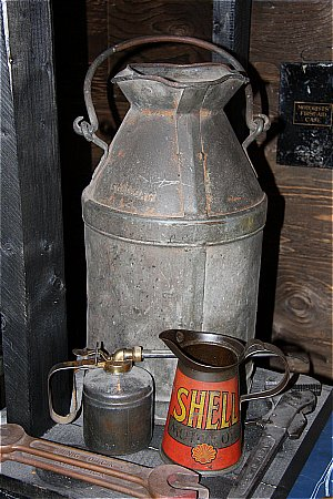 BULK PETROL CAN - click to enlarge